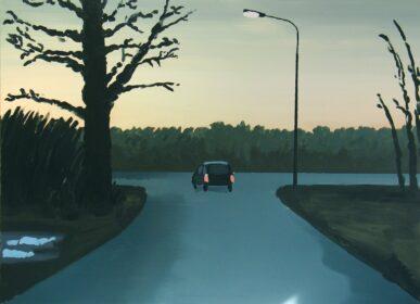 Obraz Roberta Czajki przedstawiający auto na zakręcie o zachodzie słońca