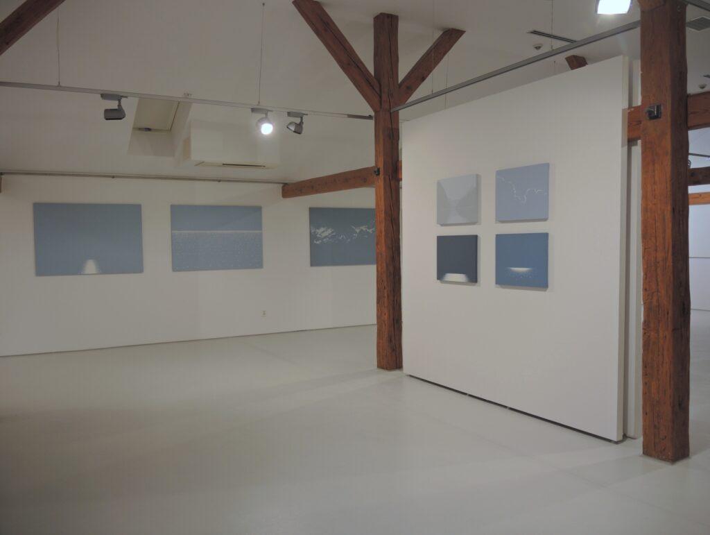 Dokumentacja wystawy obrazów Roberta Motelskiego w CAT Ustka