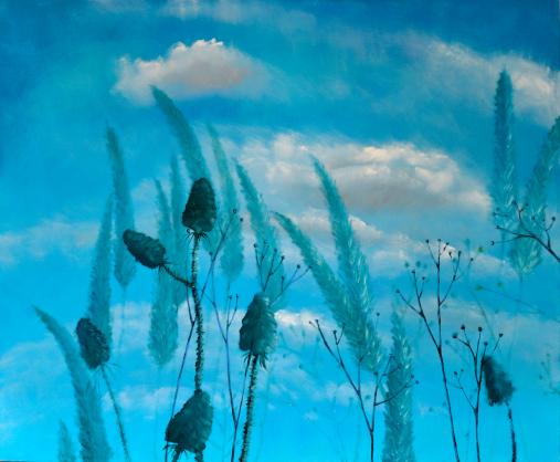 Obraz olejny Marty Konieczny przedstawiający rośliny na tle pogodnego nieba z chmurkami.