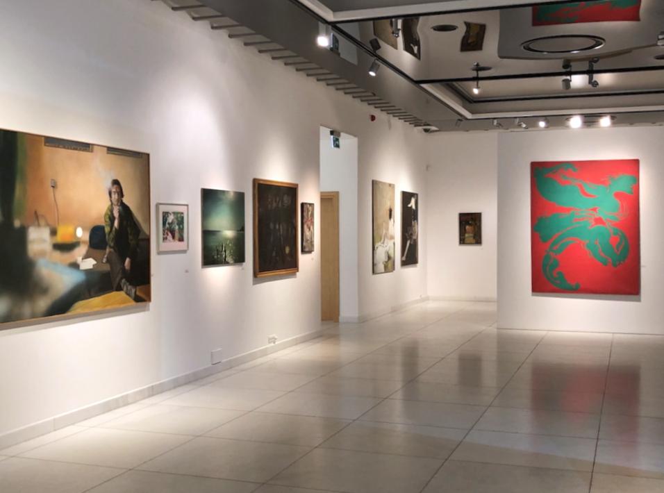 Widok wystawy prac z kolekcji Krzysztofa Musiała w PGS w Sopocie.