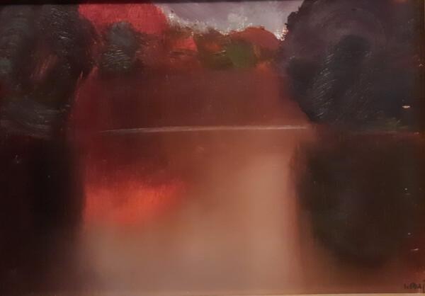 Obraz namalowany przez Stanisława Baja przedstawia jesienny pejzaż z nad Bugu.
